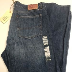 Size 38x34 Men's Lucky Brand, 181 Relaxed Straight